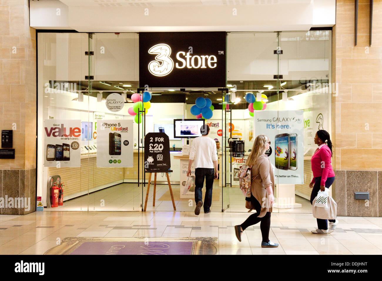 Die 3 Shop, Verkauf von Handys, The Grand Arcade, Cambridge UK Stockbild