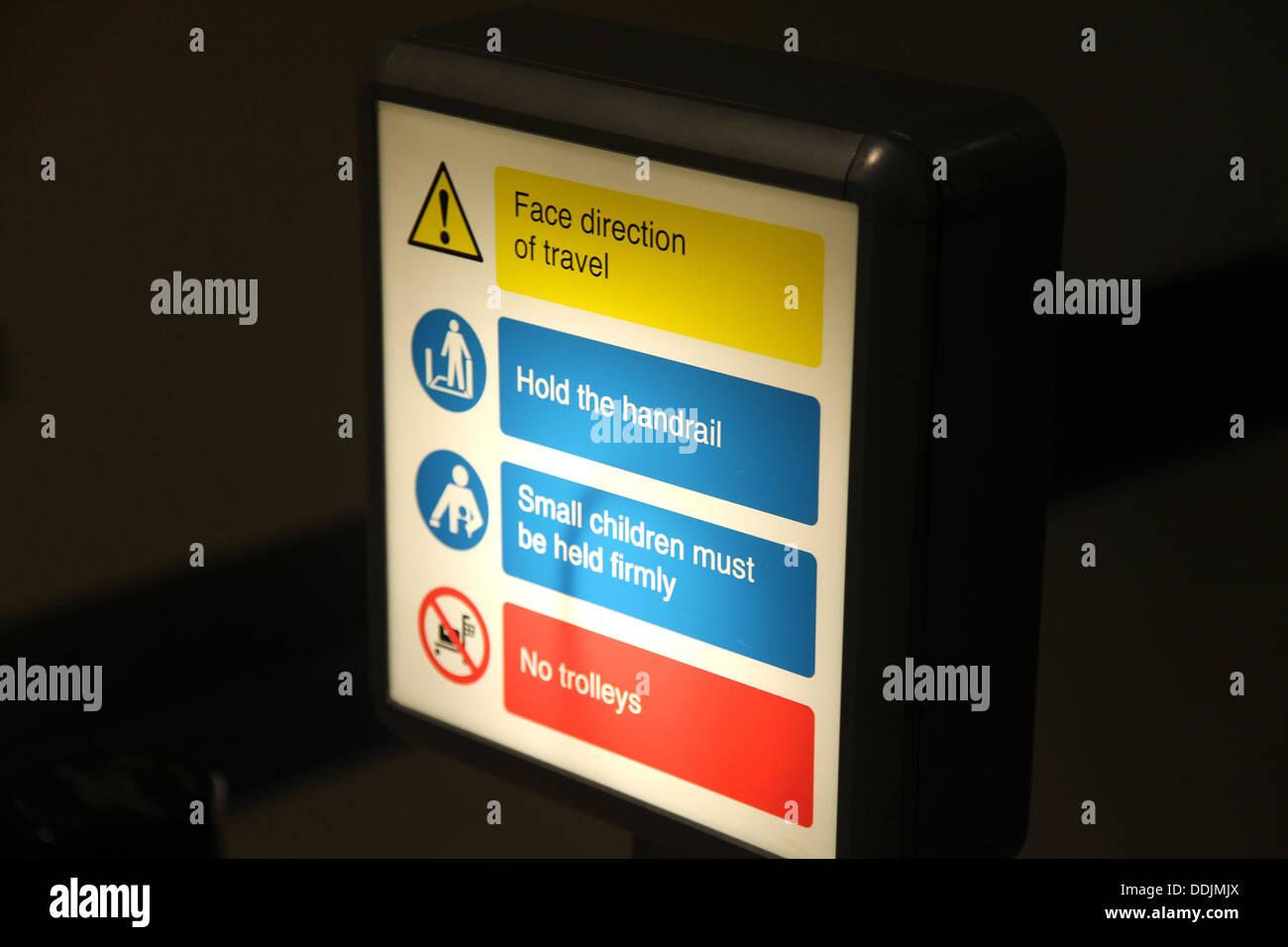 Airort Sicherheit Signage Stockfoto