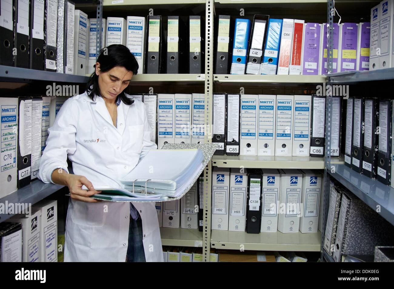 Datei Dokumentation von Studien abgeschlossen, Clinical Trials Unit Tests in Phase 1, die erste Drug Administration in den Menschen, Stockbild