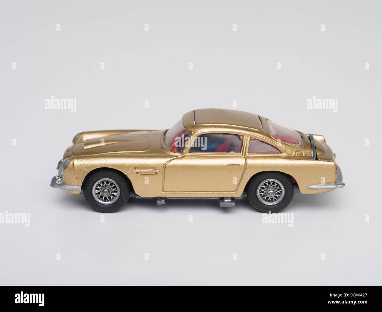 Corgi Toys 261 Cast Model Of James Bond S Aston Martin Db5 In Goldfinger Mit Schleudersitz Produziert Im Jahr 1965 Stockfotografie Alamy