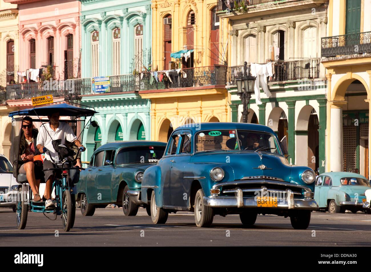 US-Oldtimer aus den 50er Jahren in den Straßen von Havanna, Kuba, Karibik Stockbild