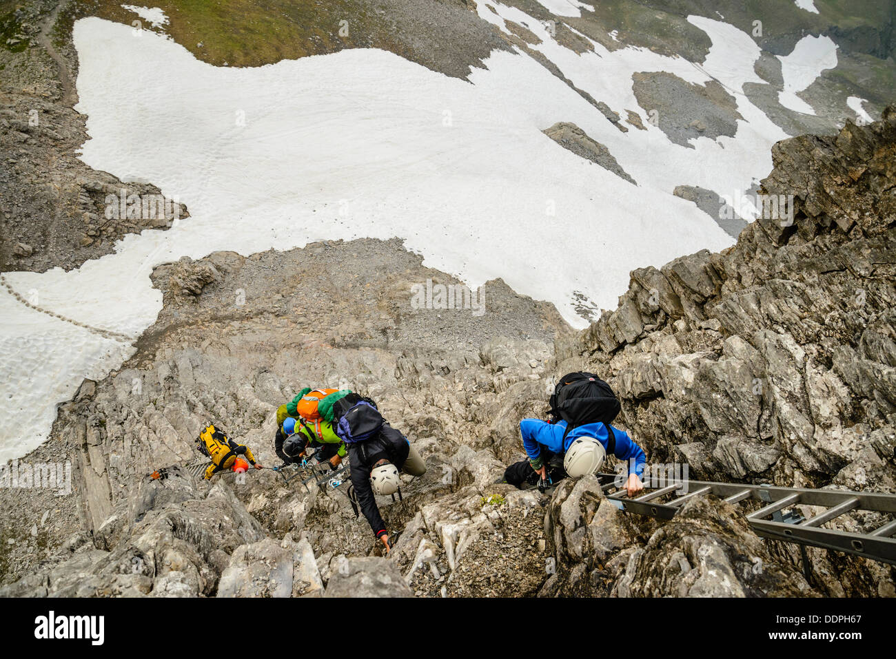 Klettersteig Eiger : Bergsteiger auf den rotstock klettersteig der ist eine