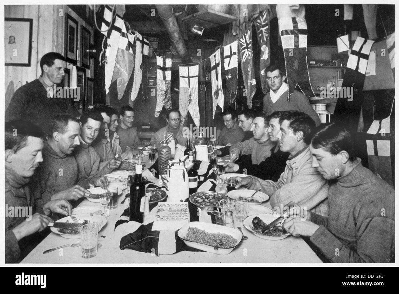 Kapitän Scotts letzte Geburtstag Abendessen, Antarktis, 6. Juni 1911. Künstler: Herbert Ponting Stockbild