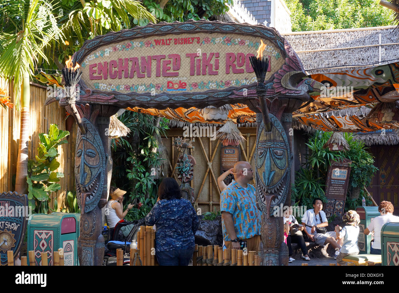 Verzaubert Tiki Room, Disneyland Resort, Magic Kingdom, Anaheim, Kalifornien Stockbild