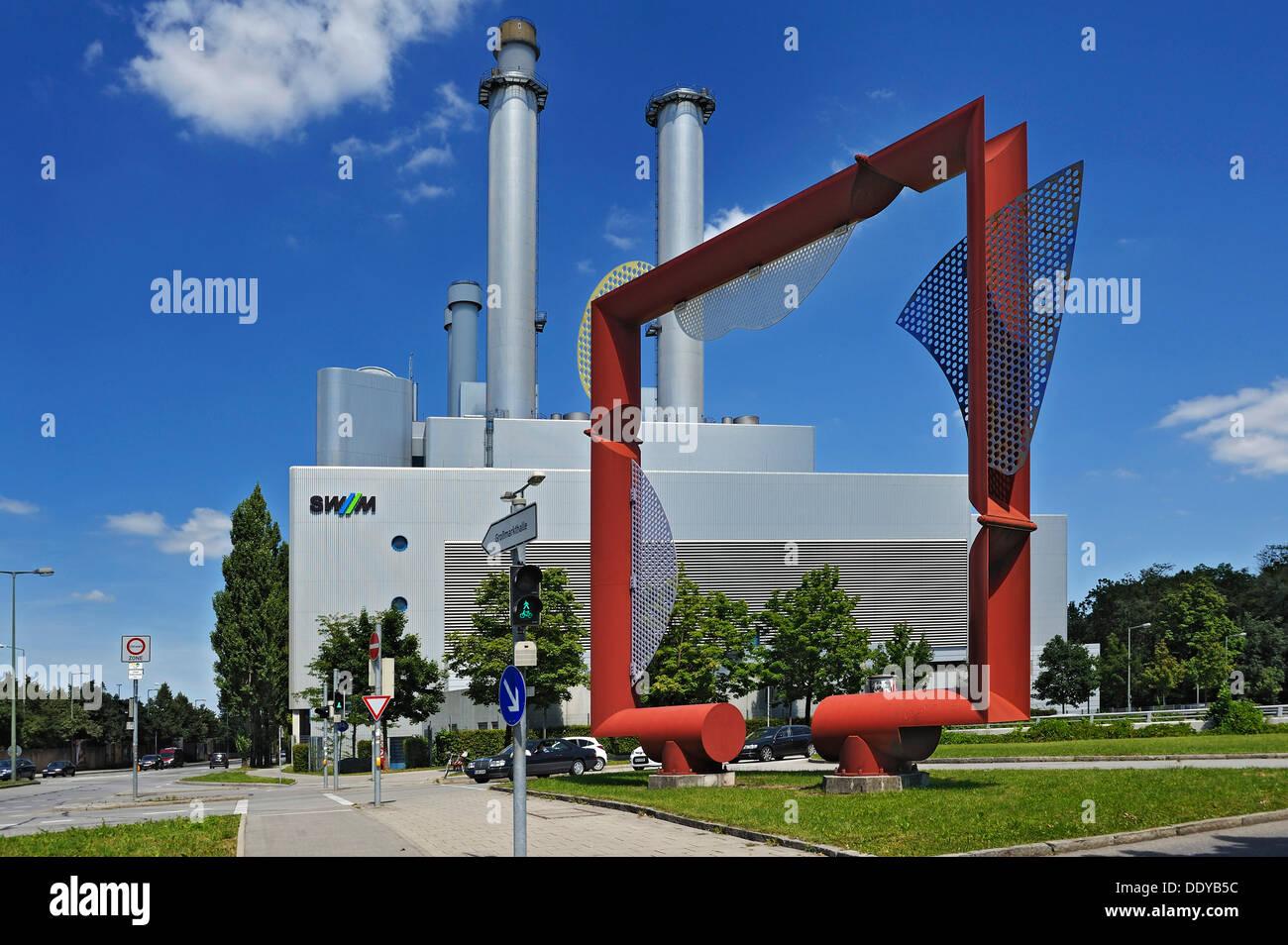 """Artwork von Leismüller vor das KWK-Kraftwerk """"Süd"""", Kraft-Wärme-Kopplungsanlage von Stadtwerken betrieben Stockbild"""