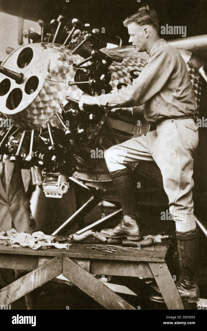 """""""Der Held des Jahrzehnts"""", 1927. Künstler: unbekannt Stockbild"""