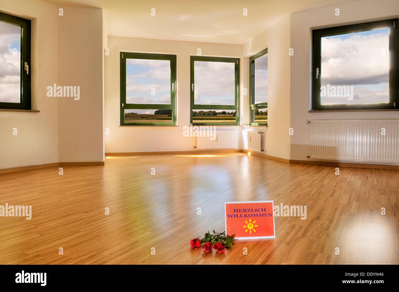 Willkommens Schild Und Rosen Auf Dem Boden Grosses Wohnzimmer Mit