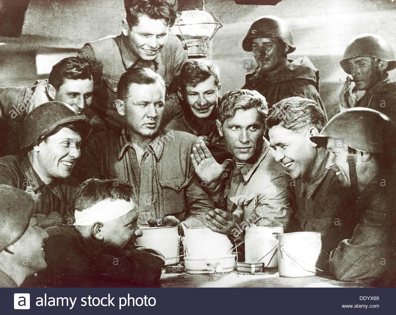 """Szene aus dem Film """"Dva Boytsa"""" (""""zwei Soldaten""""), 1943.  Künstler: Anon Stockbild"""