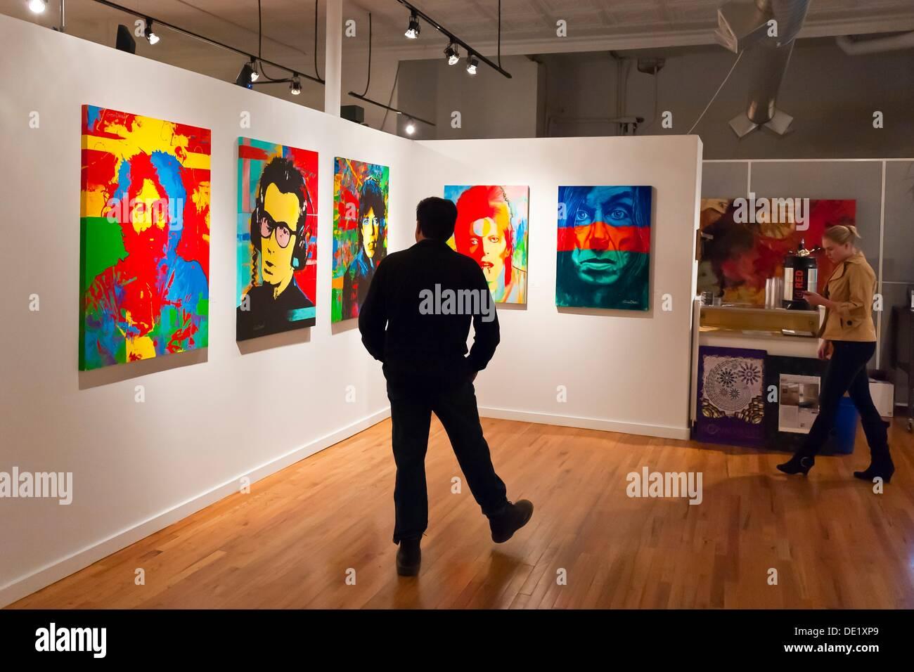 Porträts von Rock-Musiker Jerry Garcia, Elvis Costello, Mick Jagger, David Bowie und Iggy Pop des Künstlers Mark Goodman, Artwork Stockbild