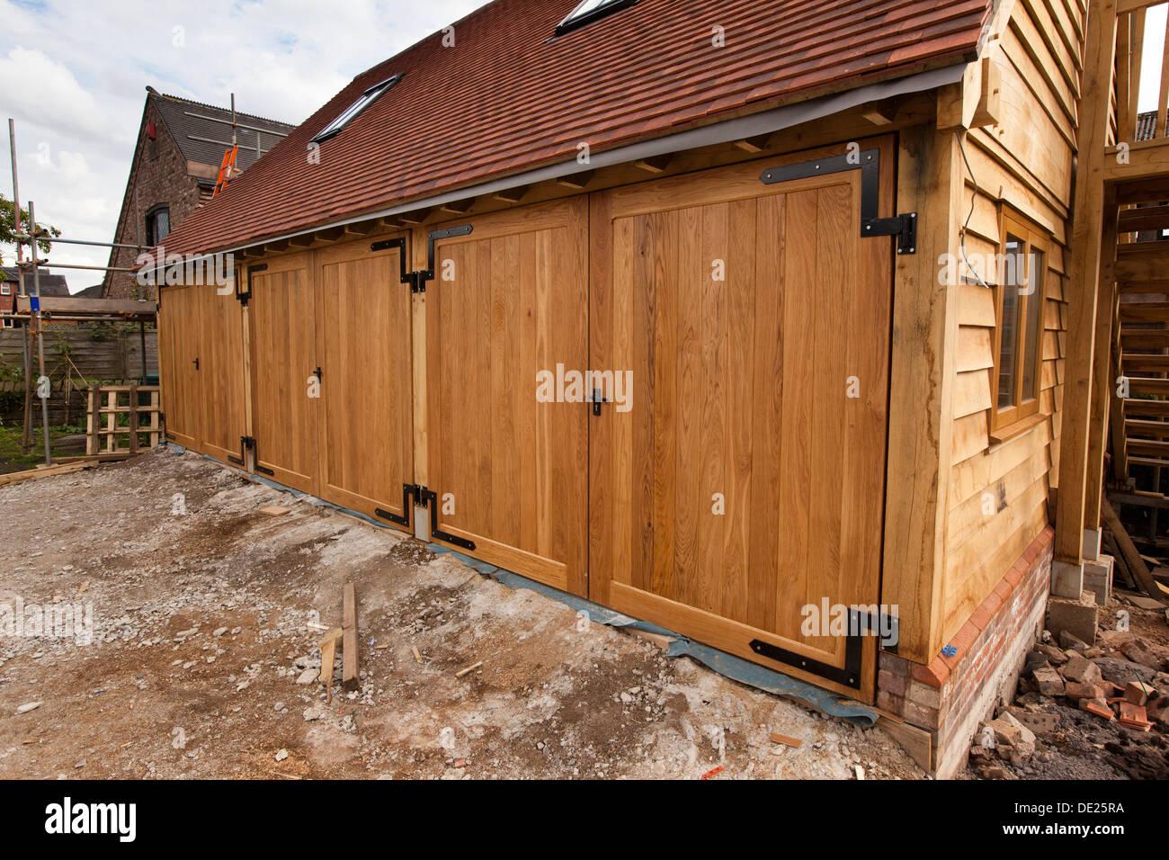 Selbst Haus Zu Bauen, Garage Für 3 Bucht, Solide Eichentüren Gerahmt Grüne  Eiche Holz Bau
