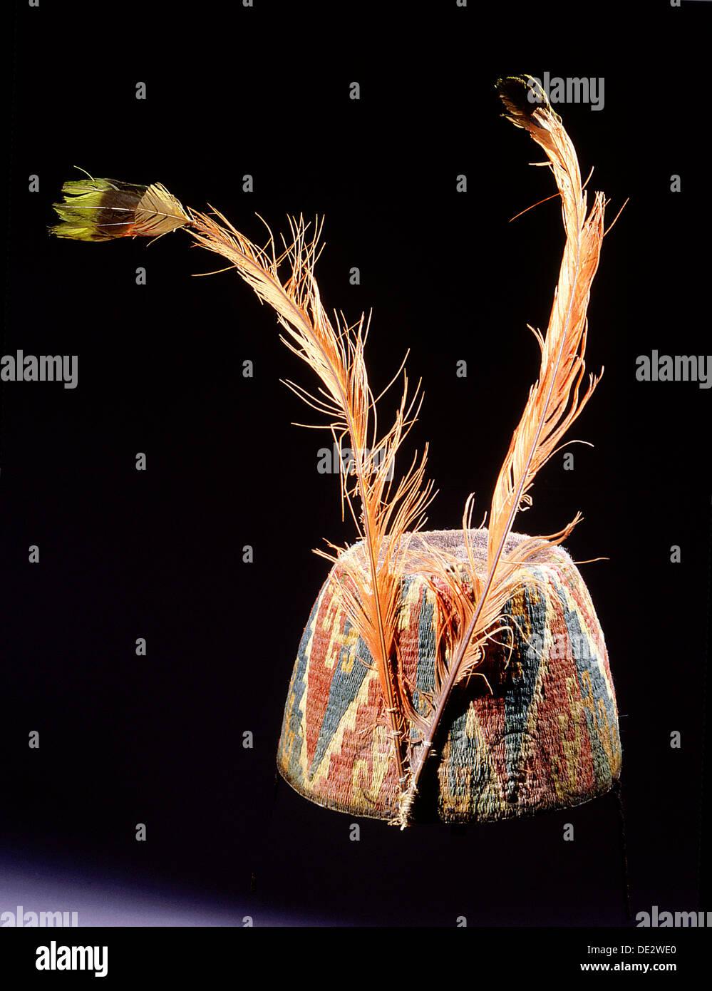 Fez-Stil Hut von farbigen und verdrehten Lama Fäden geschlungen in ...
