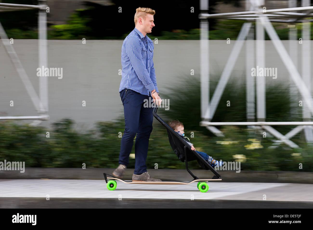 Mit Ihrem Sohn Rolf Stockfotos & Mit Ihrem Sohn Rolf Bilder - Alamy