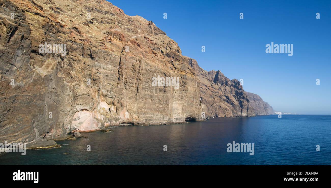 Klippen von Los Gigantes aus Punta del Teno, Teneriffa, Kanarische Inseln. Stockbild