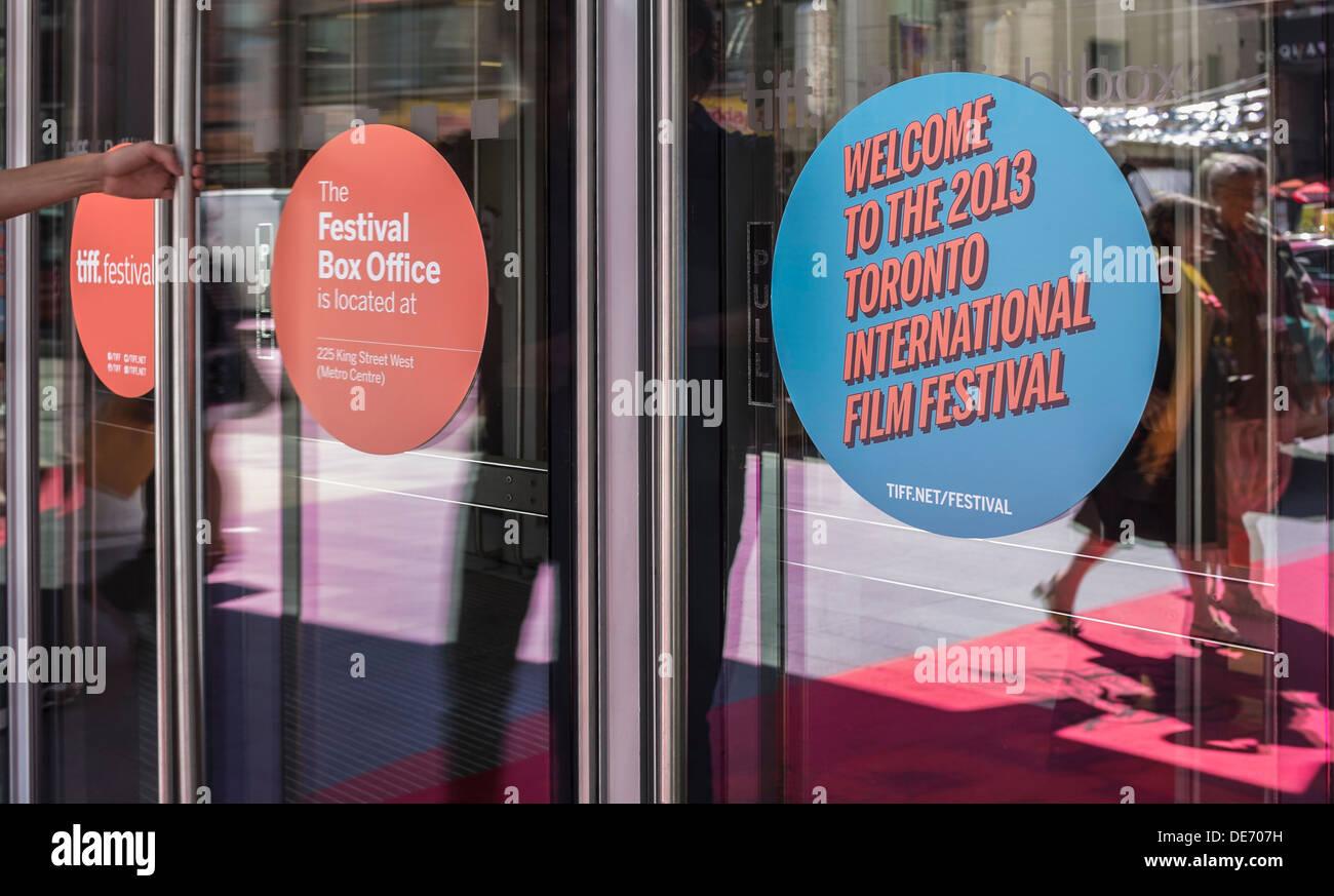 Eingang des TIFF Bell Lightbox während dem 2013 Toronto International Filmfestival Stockbild