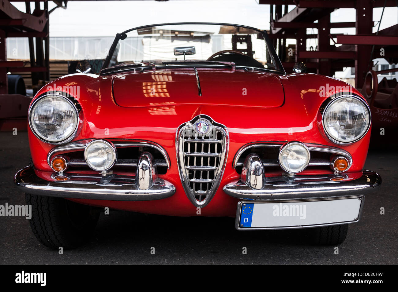 oldtimer alfa romeo spider stockfotos oldtimer alfa romeo spider bilder alamy. Black Bedroom Furniture Sets. Home Design Ideas