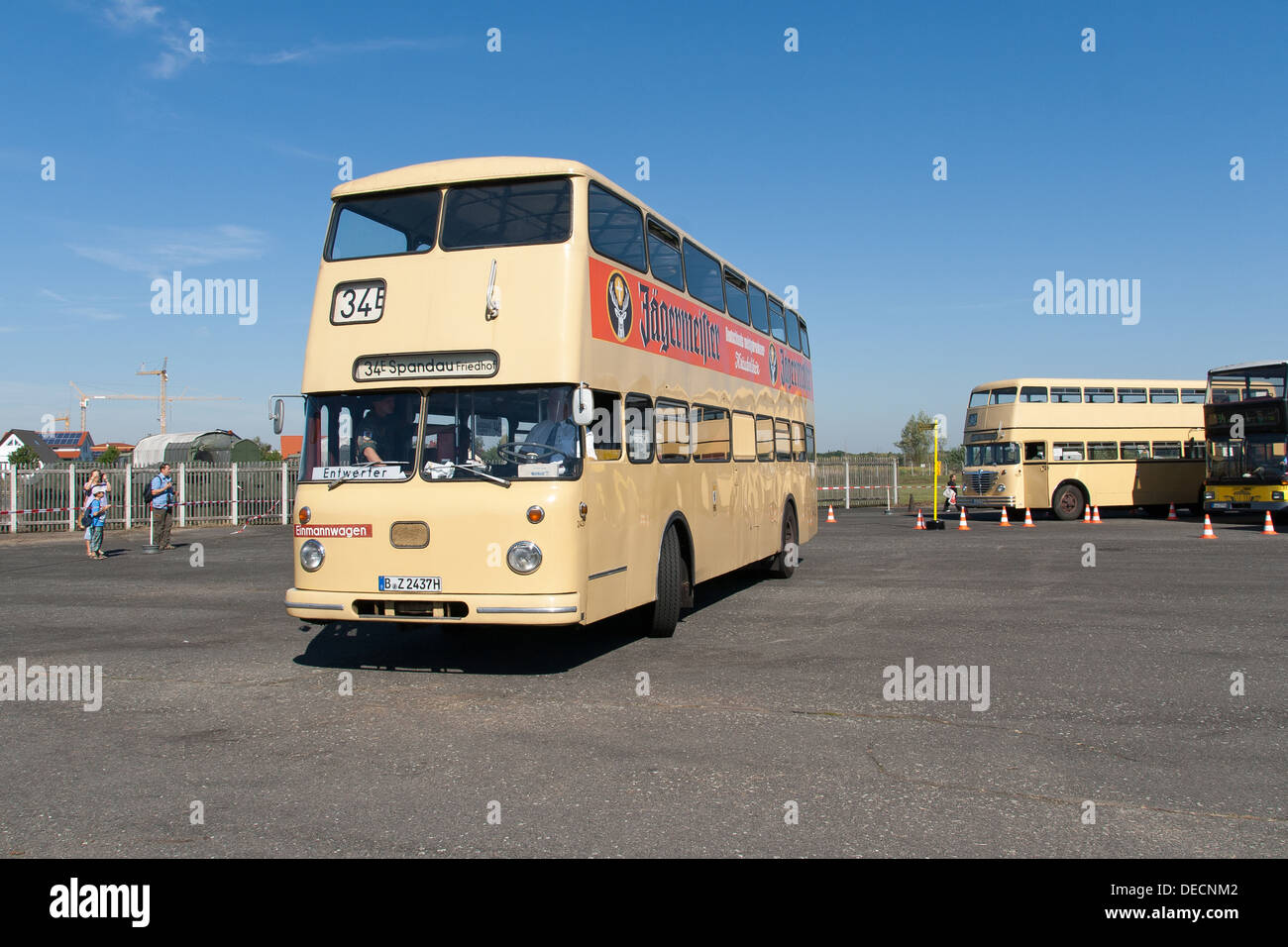 buessing bus for stockfotos buessing bus for bilder alamy. Black Bedroom Furniture Sets. Home Design Ideas