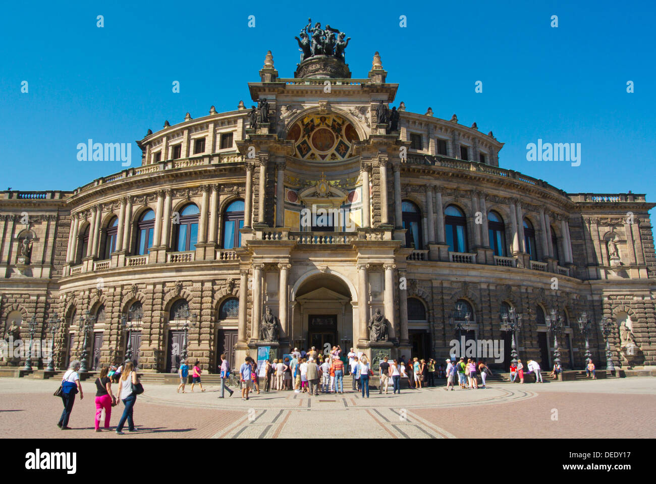Semperoper-Oper am Theaterplatz quadratischer historischer Stadtkern der Altstadt Dresden Stadt Sachsen stand Deutschland Ostmitteleuropa Stockbild