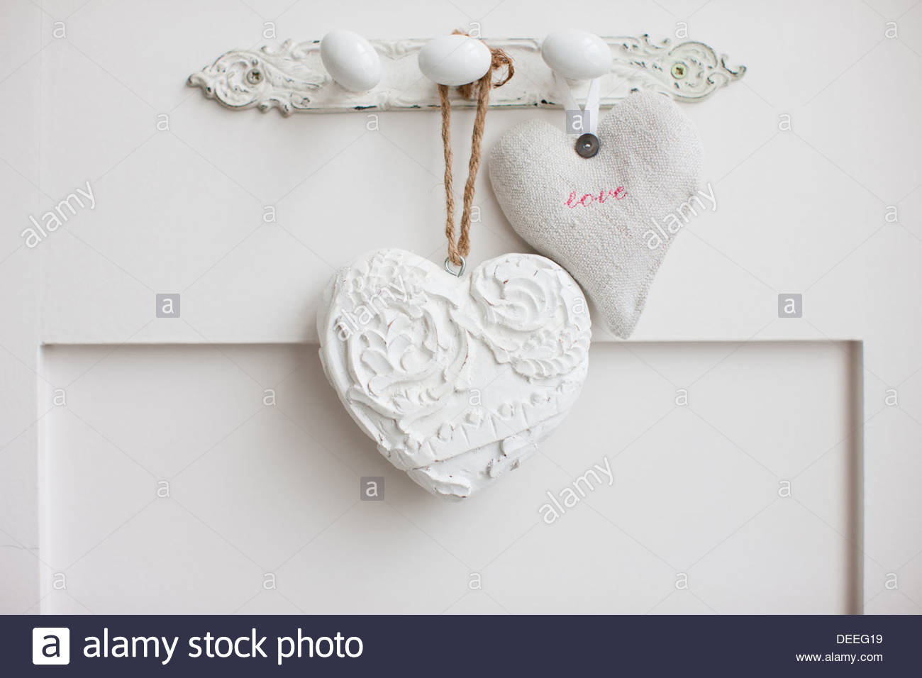 Wall hanging stockfotos wall hanging bilder alamy - Bilder an die wand hangen ...