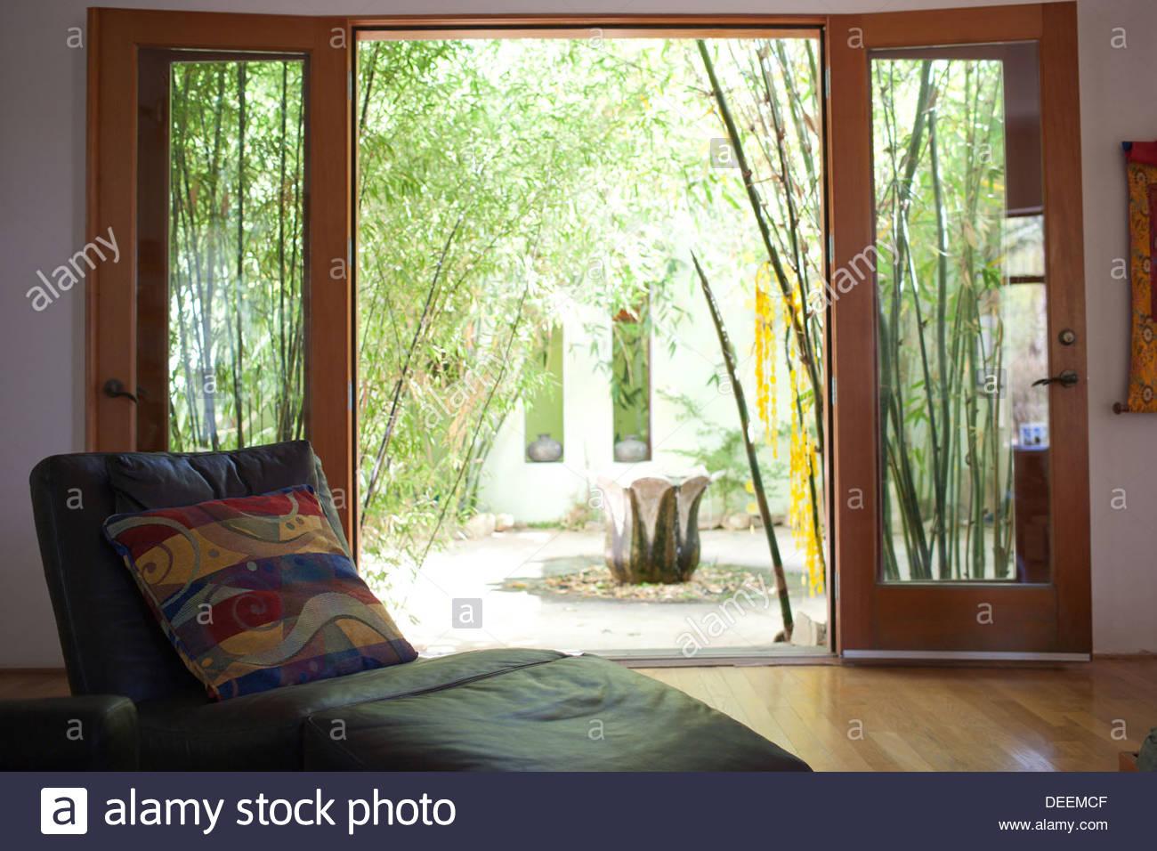 Innenhof mit Bambus Stockbild