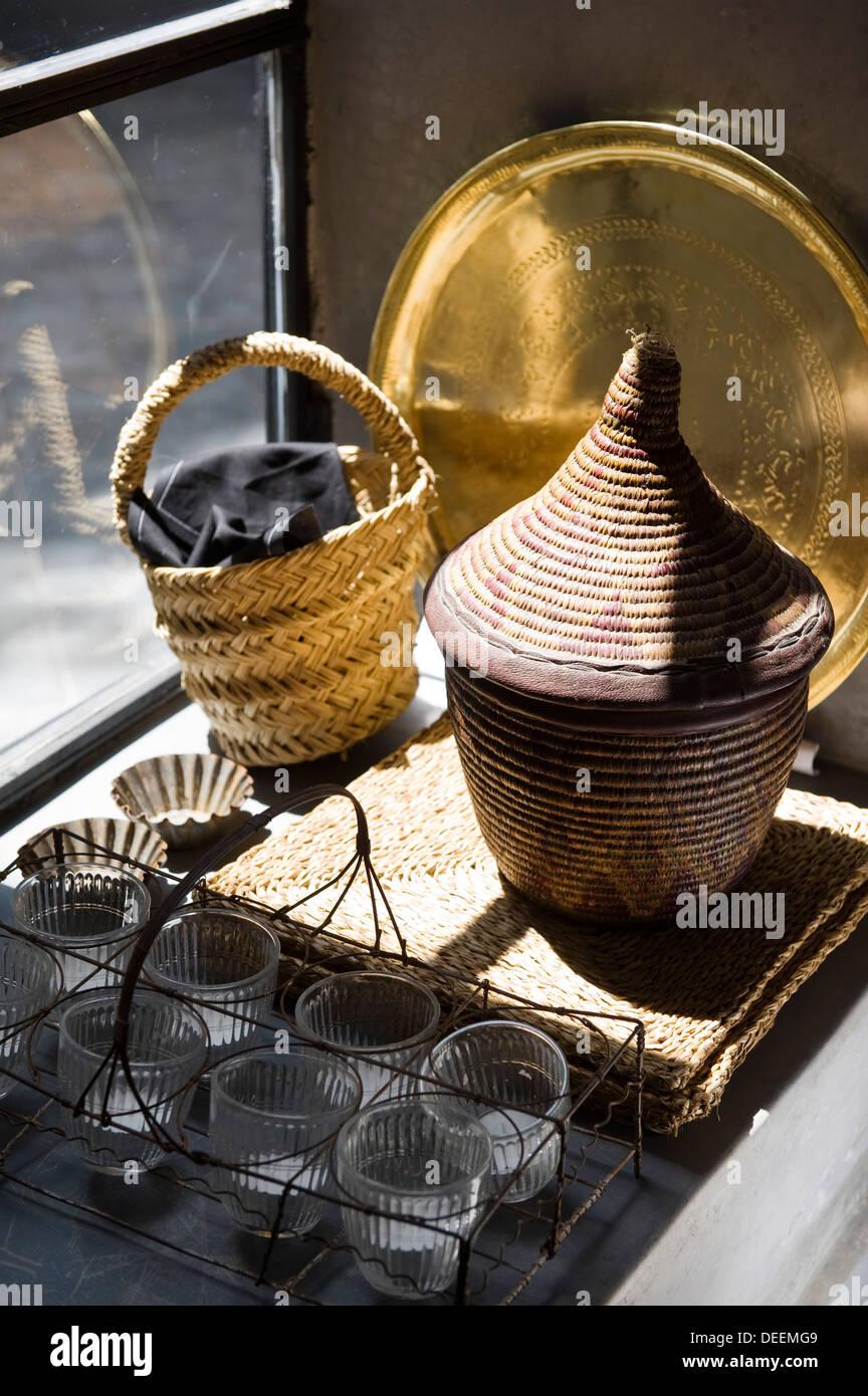 moroccan tea stockfotos moroccan tea bilder alamy. Black Bedroom Furniture Sets. Home Design Ideas