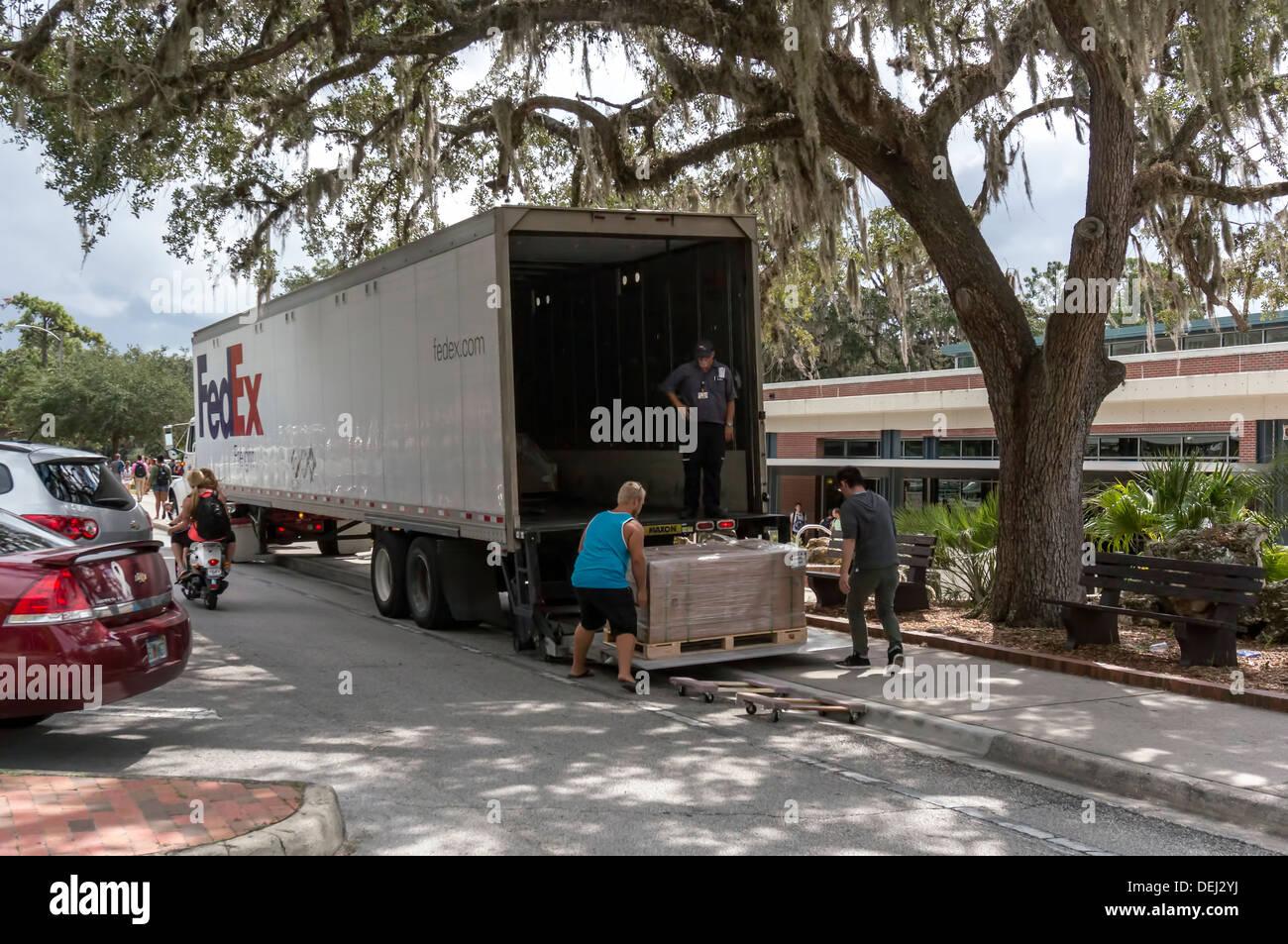 Fedex Freight Stockfotos & Fedex Freight Bilder - Alamy