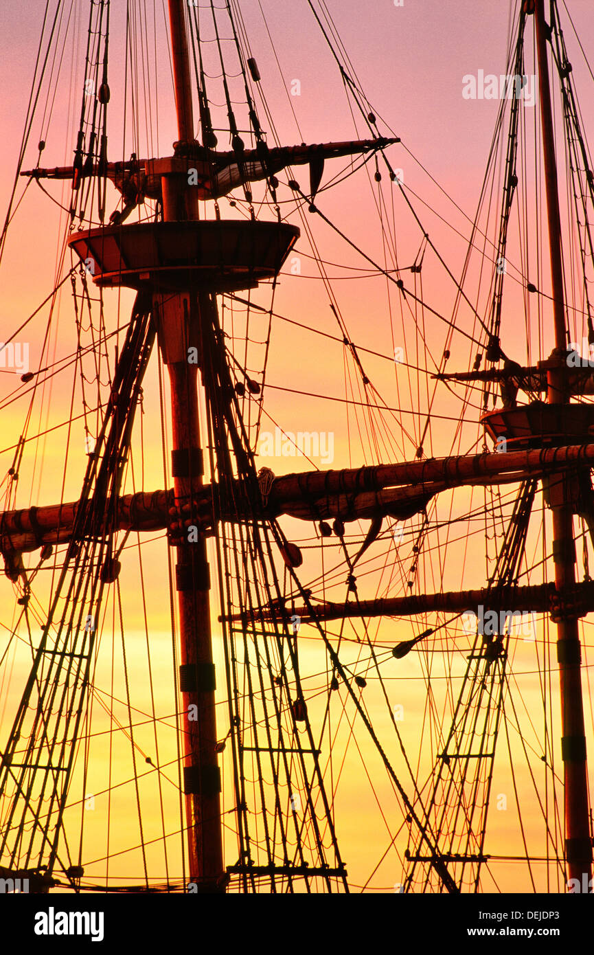 Pilgerväter Segeln Schiff Mayflower. Wiederaufbau in Plymouth, Cape Cod, Massachusetts, USA. Vordergrund und wichtigsten Stockfoto