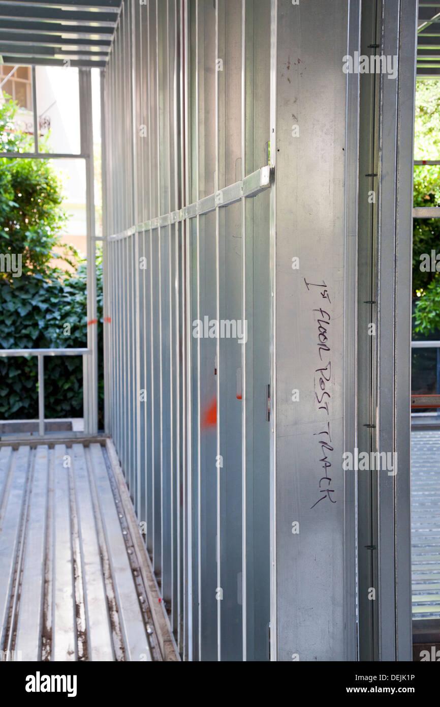 Wohn-Haus Baustelle Stahl für die Gestaltung zu verwenden. Los ...