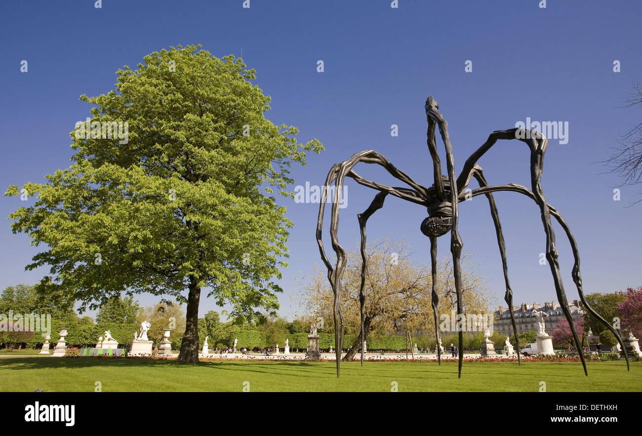 Recht ´Maman´ ist eine Riesenspinne weibliche Künstlerin Louise Bourgeois´s, Jardin des Tuileries, Paris, Frankreich, Europa. Stockbild