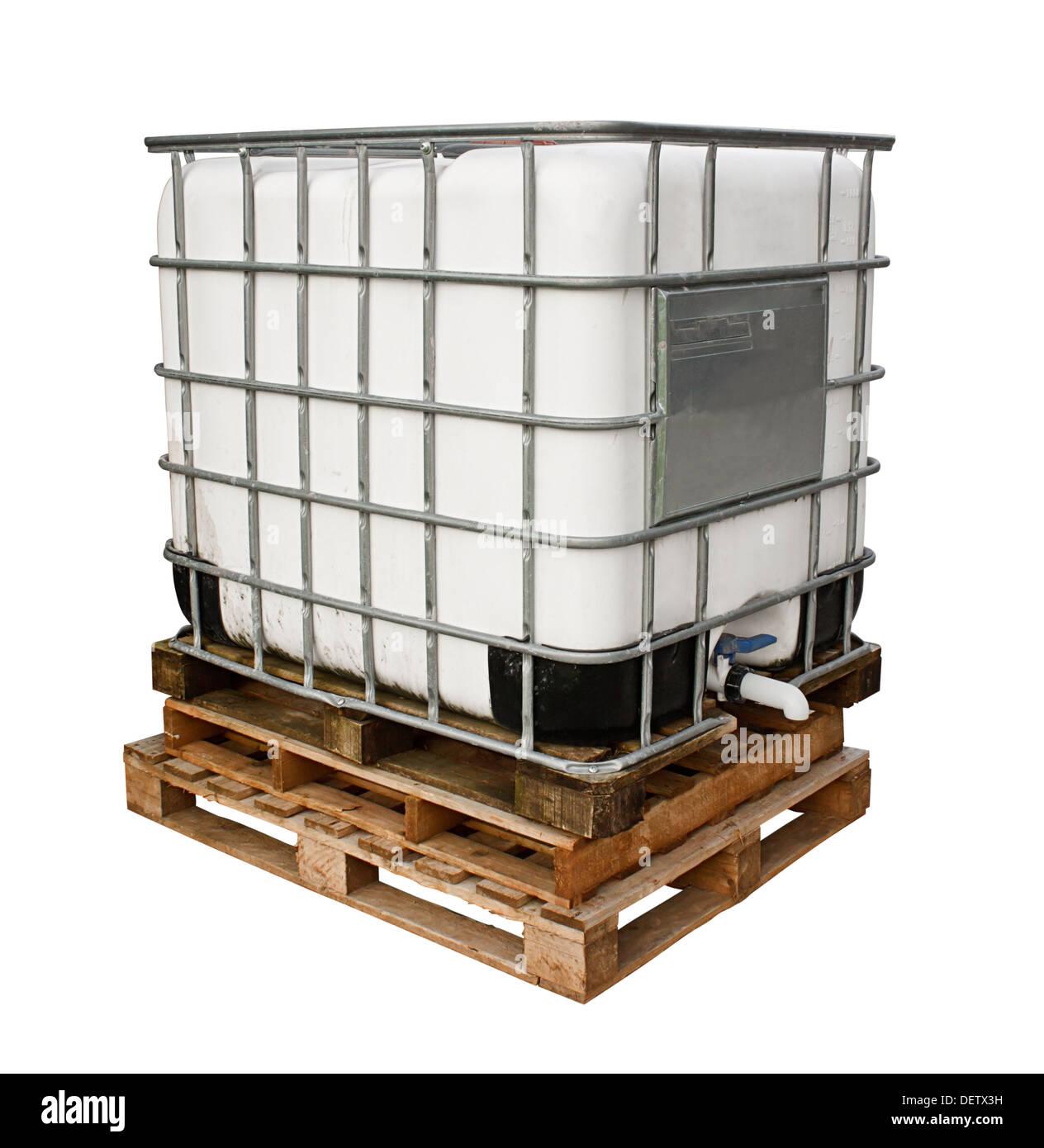 Chemikalien Behälter für die Schwerindustrie vor einem weißen Hintergrund isoliert Stockbild