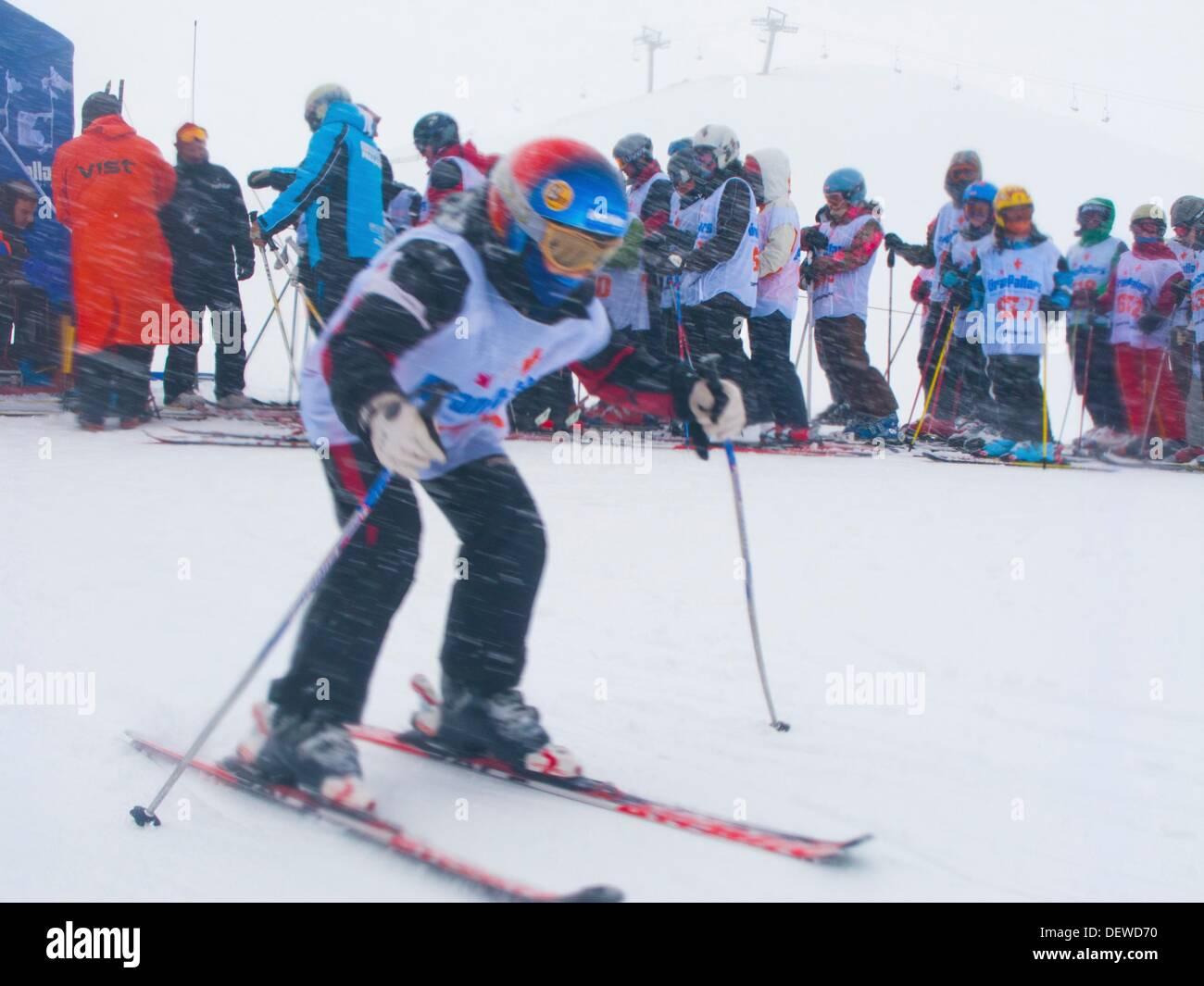 Tamarro Rennen. Beliebten Wettbewerb. Skigebiet von Espot. Katalanische Pyrenäen. Espot. Pallars Sobira. Lleida-Provinz. Katalonien. Stockbild