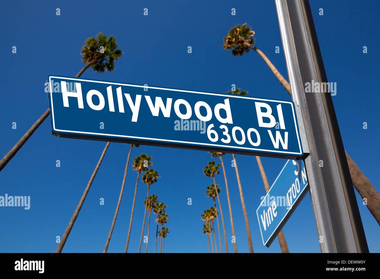 Hollywood Boulevard mit Rebe Zeichen Illustration auf Palm Bäume Hintergrund Stockbild