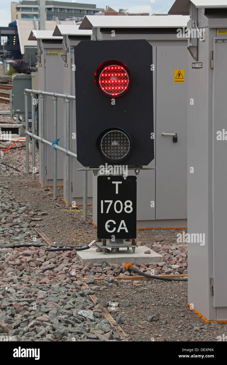 """Co handeln Signal ' t 1708 CA' bei der Ausfahrt aus Abstellgleise mit Signal zeigt einen roten """"Stop"""" Aspekt. Stockbild"""