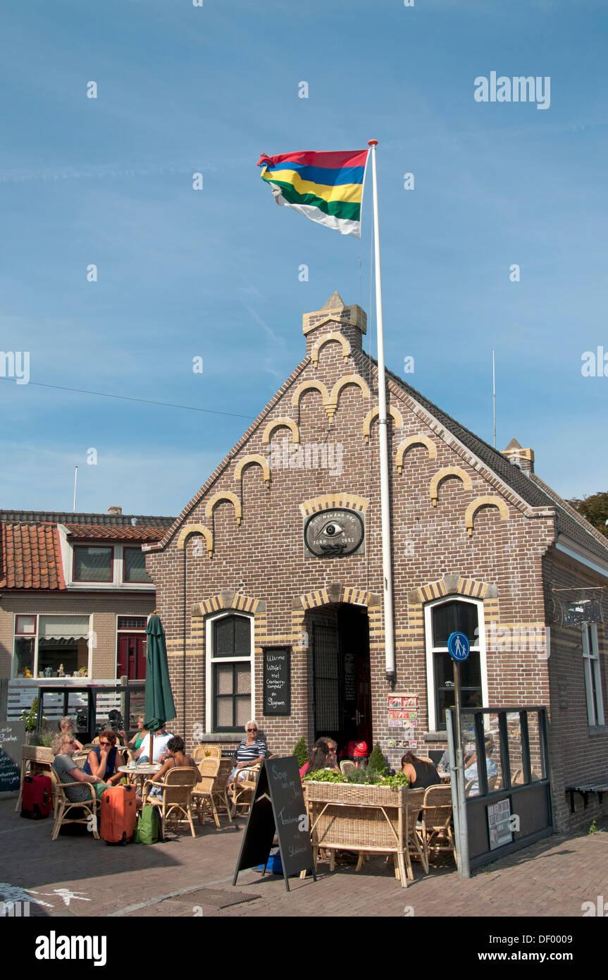 Terschelling Hafen Bar Cafe Pub Het Wakende Oog - dem wachsamen Auge Netherland Stockbild