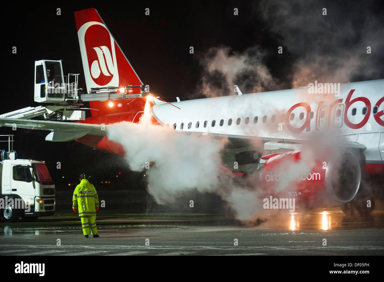 Airberlin Flugzeuge, Airbus, wird de-Eistee, Flughafen Tegel, Berlin Stockfoto