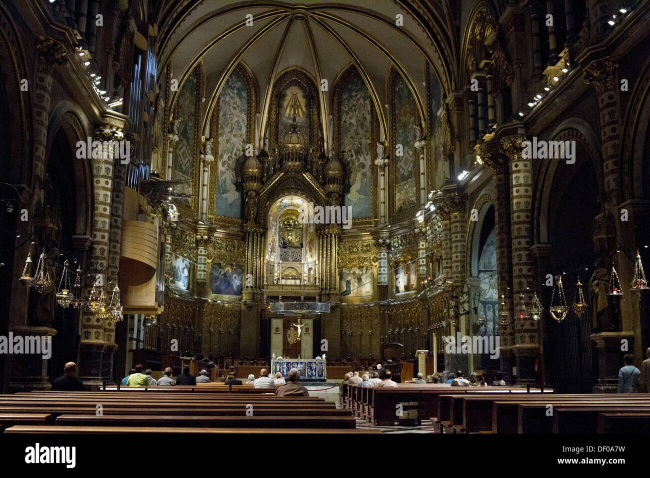 Im Inneren eine gotische Kathedrale in Barcelona Spanien Stockbild