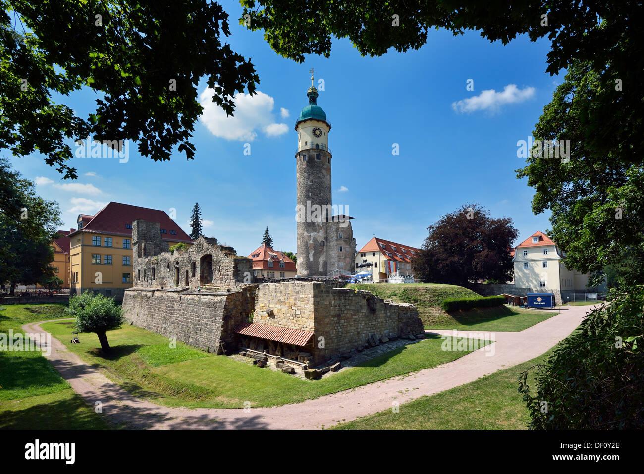 Blick Punkt Neid Eckturm auf den Bereich der Burgruine, Thüringen, Arnstadt, Aussichtpunkt Neideckturm Auf Dem Areal der Sc Stockbild