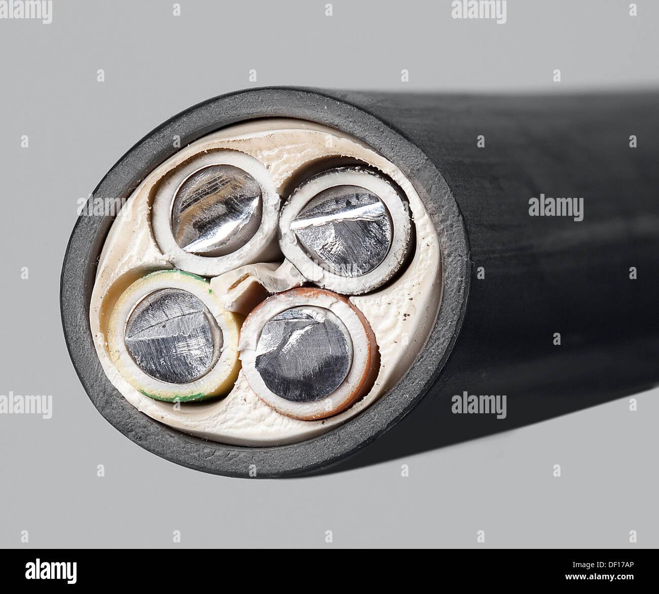 Berlin, Deutschland, ein 4-adriges Kabel Querschnitt Stockfoto, Bild ...
