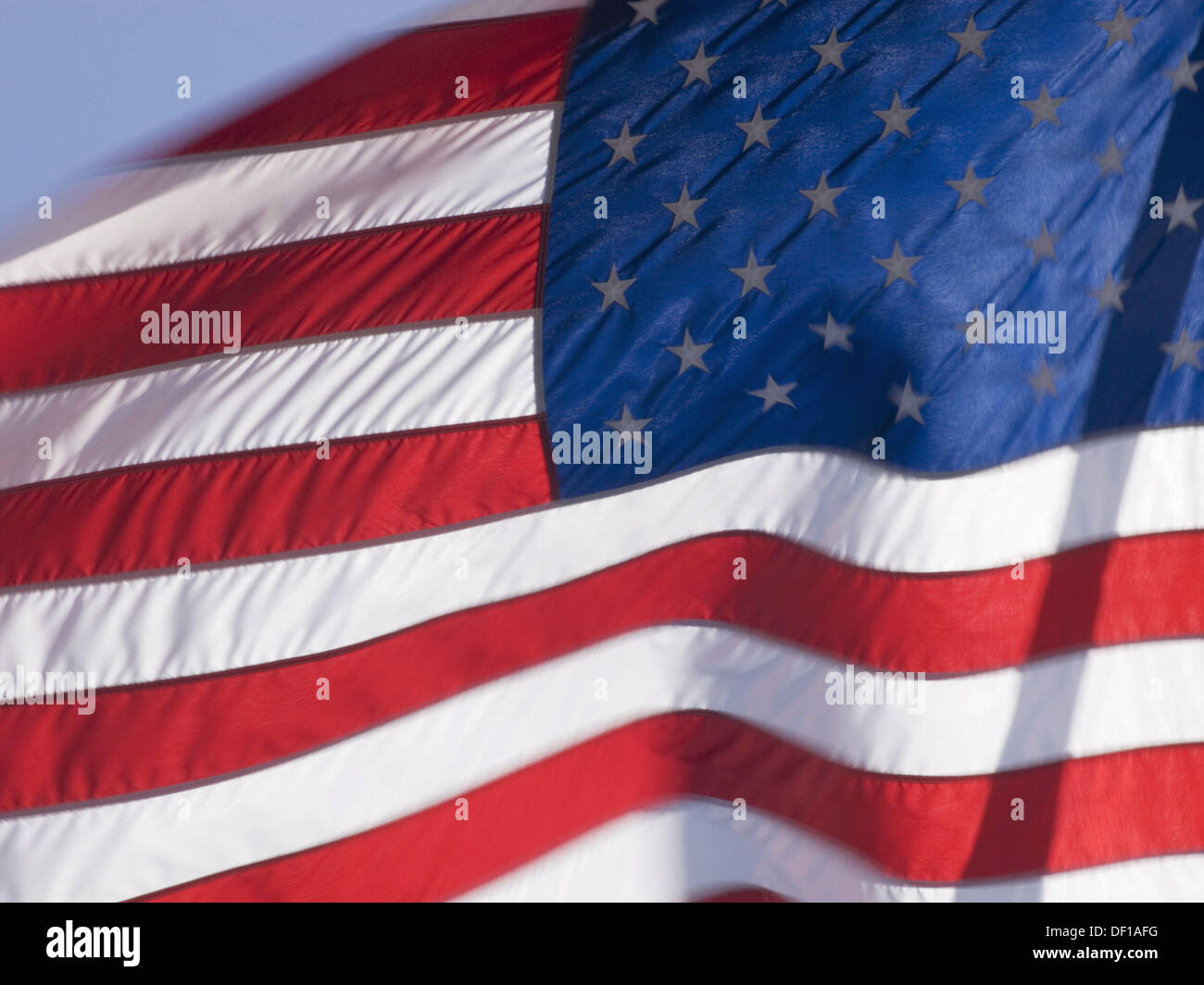American Flag Blows In Wind Stockfotos & American Flag Blows In Wind ...