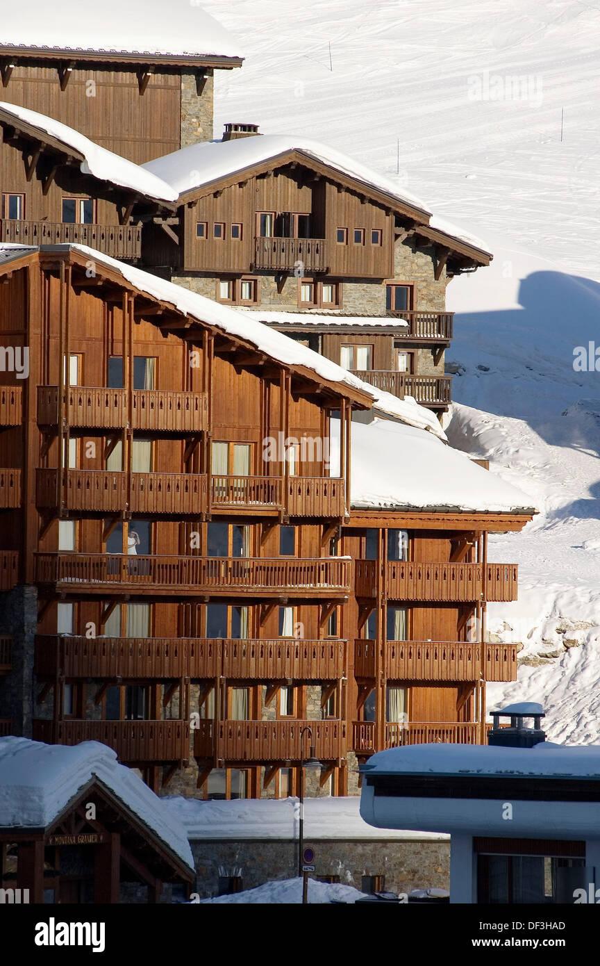 Chalet style stockfotos chalet style bilder alamy for Designhotels in den alpen