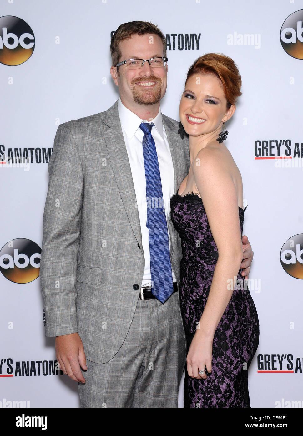 Hollywood, Kalifornien, USA. 28. September 2013. Sarah Drew & Peter ...