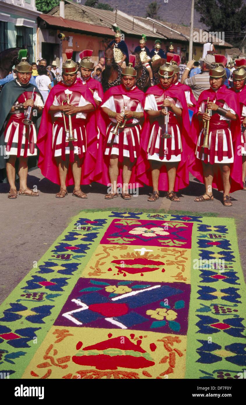 Typische Teppich Und Maya Indianer Gekleidet Als Romische Wahrend