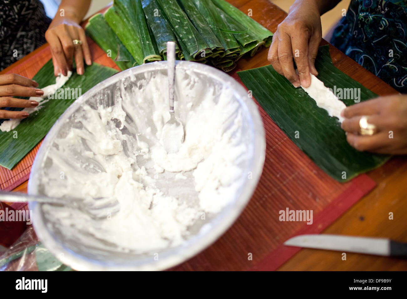 food banana leaves stockfotos food banana leaves bilder alamy. Black Bedroom Furniture Sets. Home Design Ideas