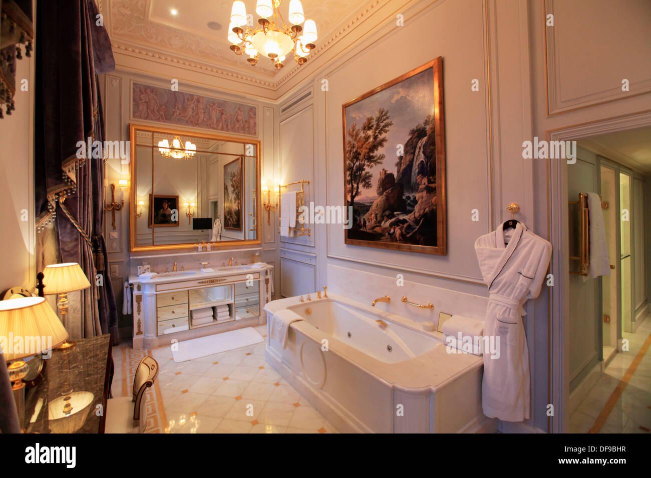 Das Bad Der La Suite Imperiale In Shangri La Hotel Paris Paris