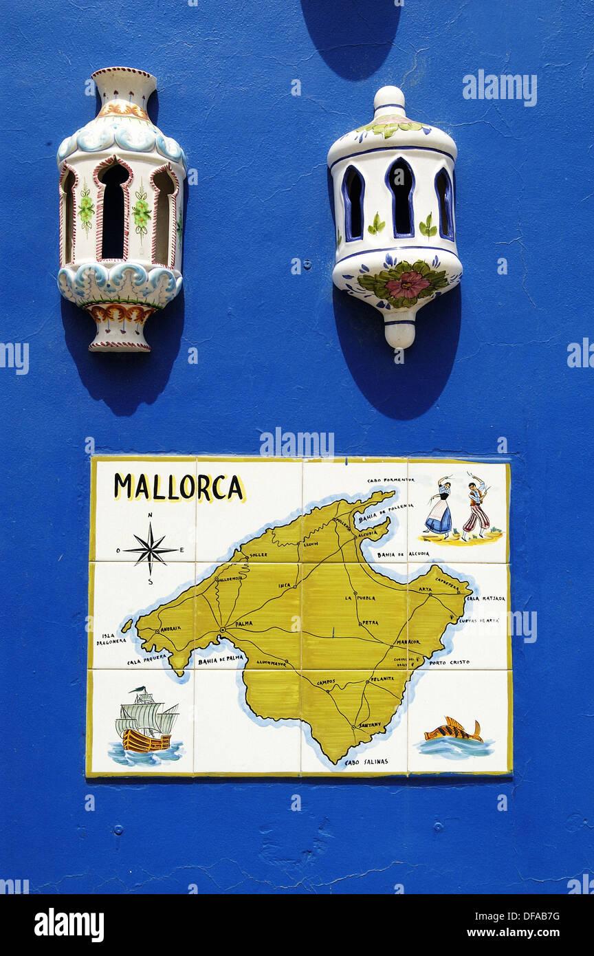 Traditionelle Keramik mit Mallorca Karte. Manacor. Mallorca ...