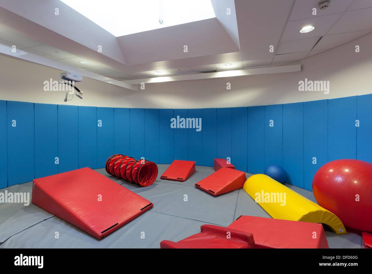 Soft-Play-Raum in speziellen Sonderschule. Stockbild