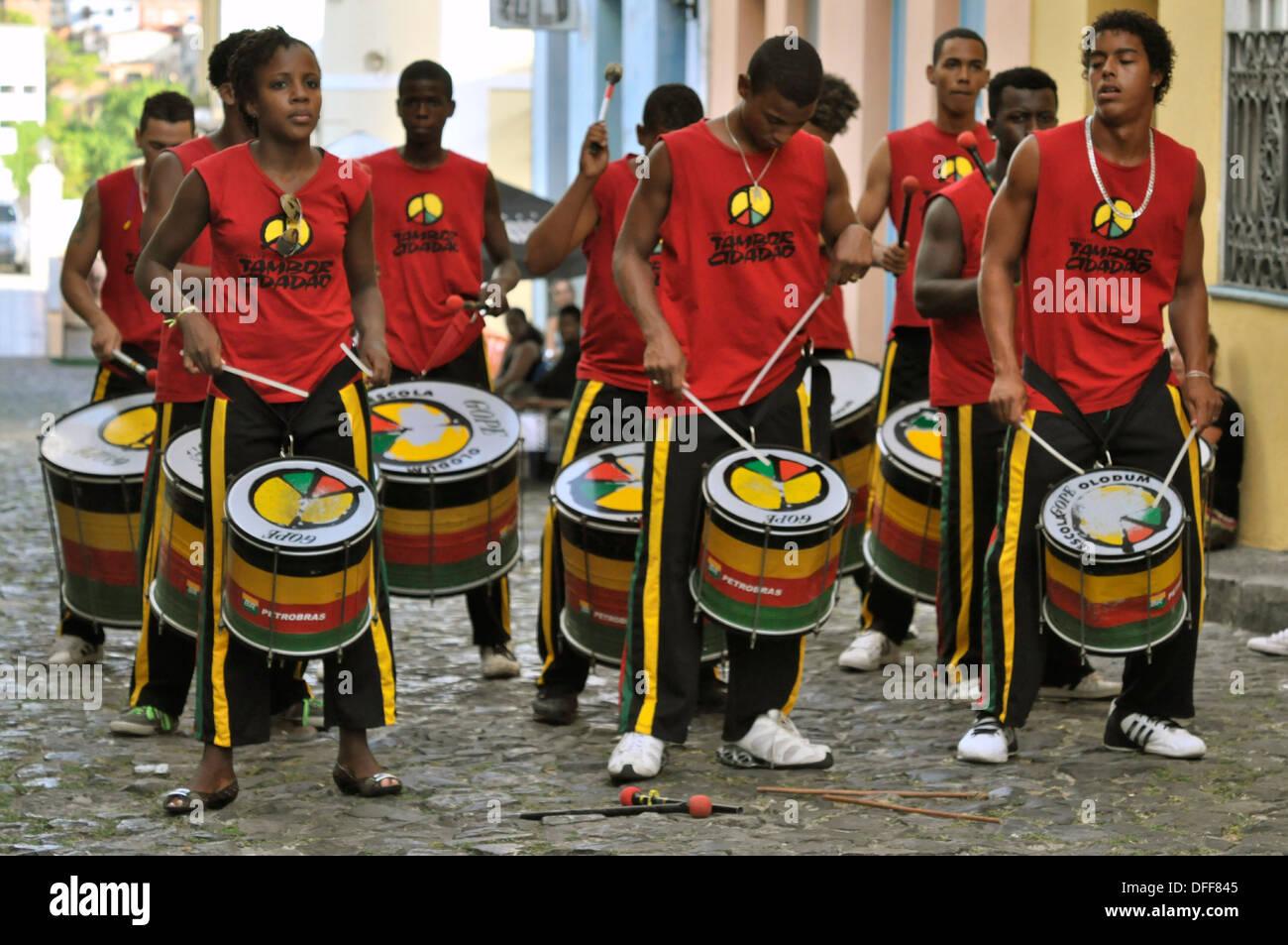 Bahia, Salvador da Bahia, 26.11.2010, Musiker der Gruppe OLODUM Trommeln in Den Gassen Vom Pelourinho. Stockbild