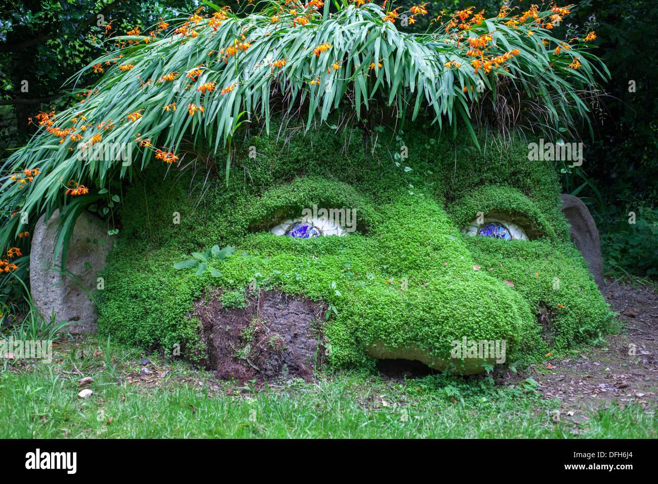 Verlorenen Gärten von Helligan, Riesen-Kopf Stockbild