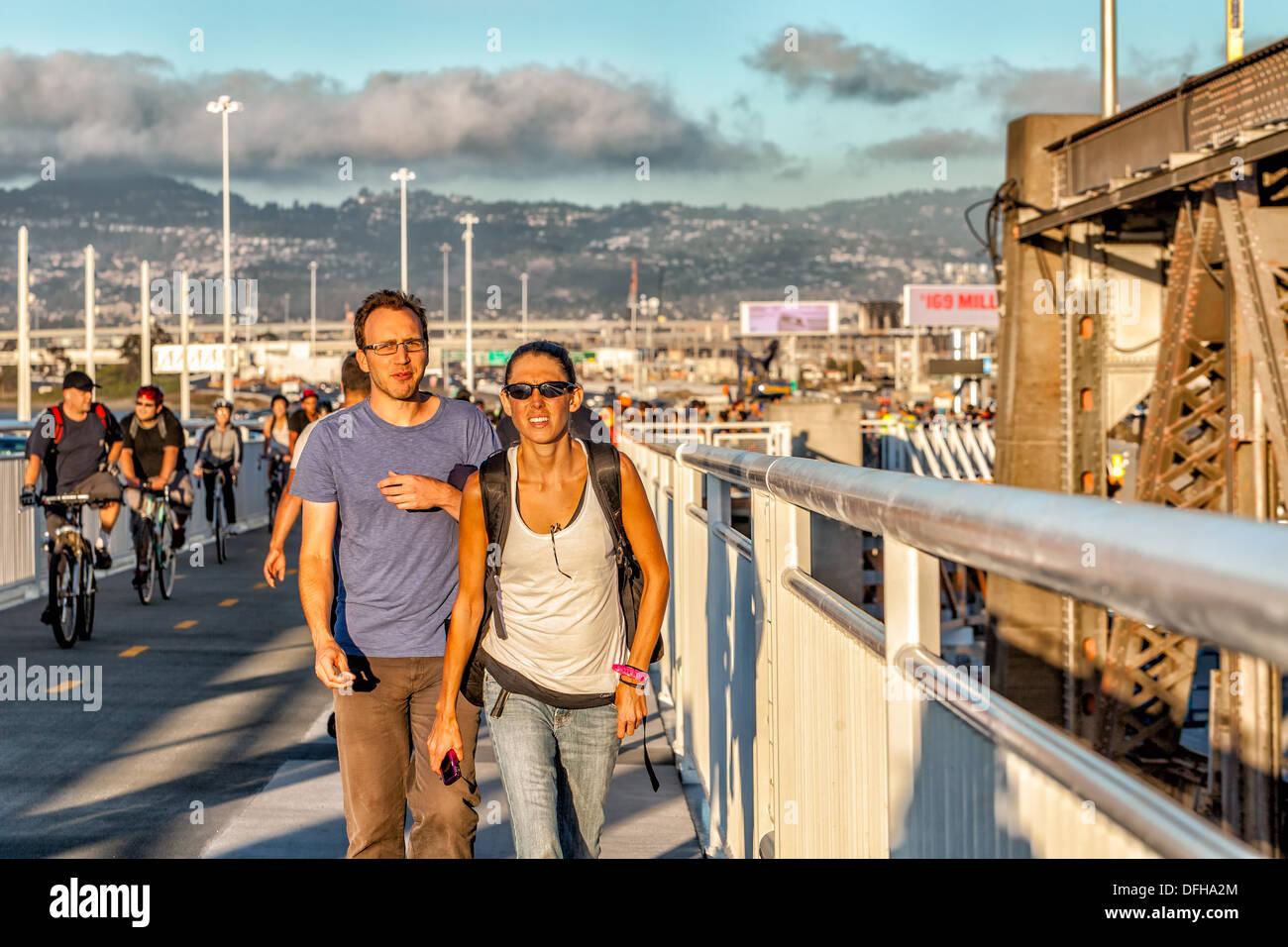 Eröffnungstag Der Neuen San Francisco Oakland Bay Bridge Ersetzt