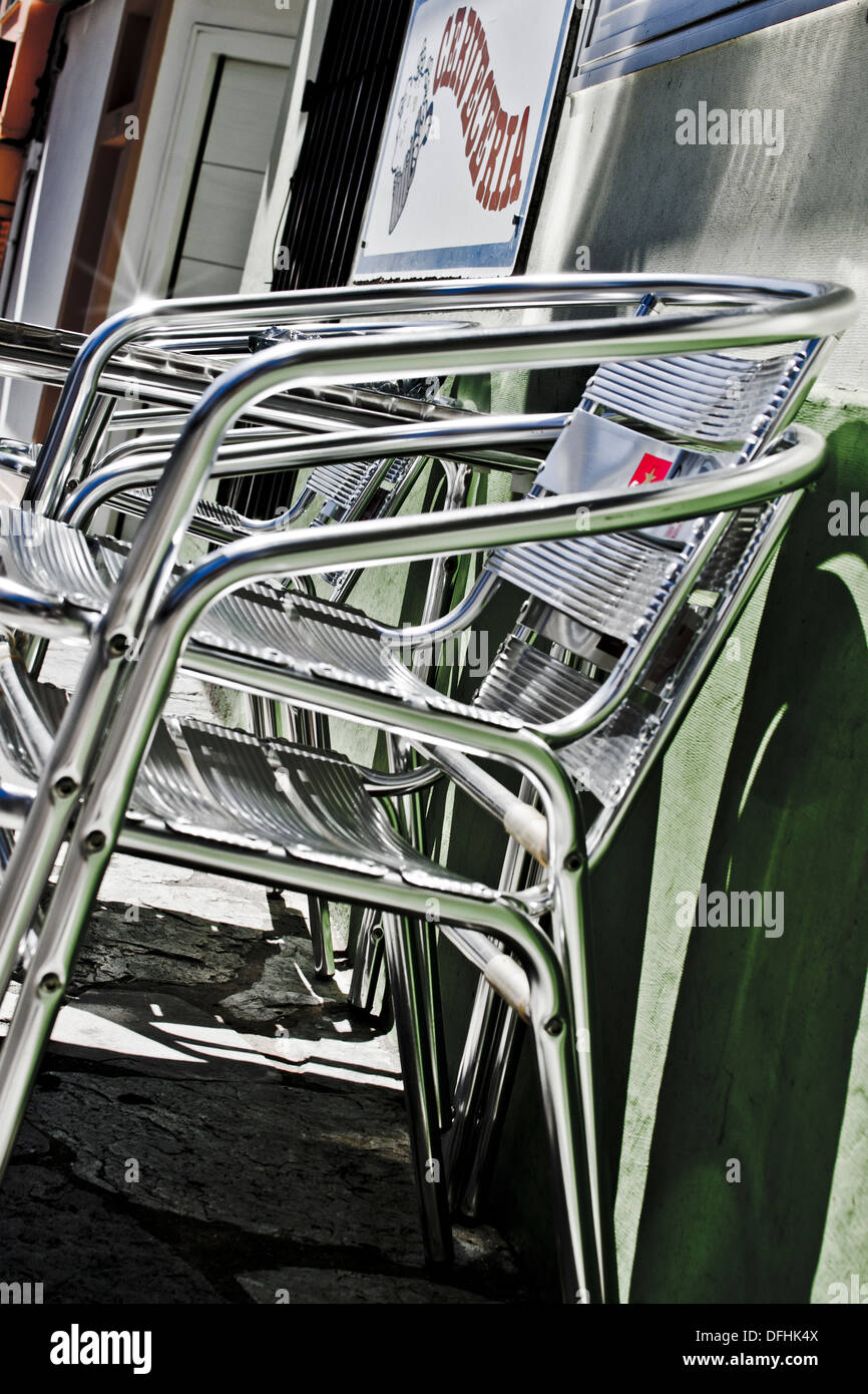 Chairs On A Porch Stockfotos & Chairs On A Porch Bilder - Seite 2 ...