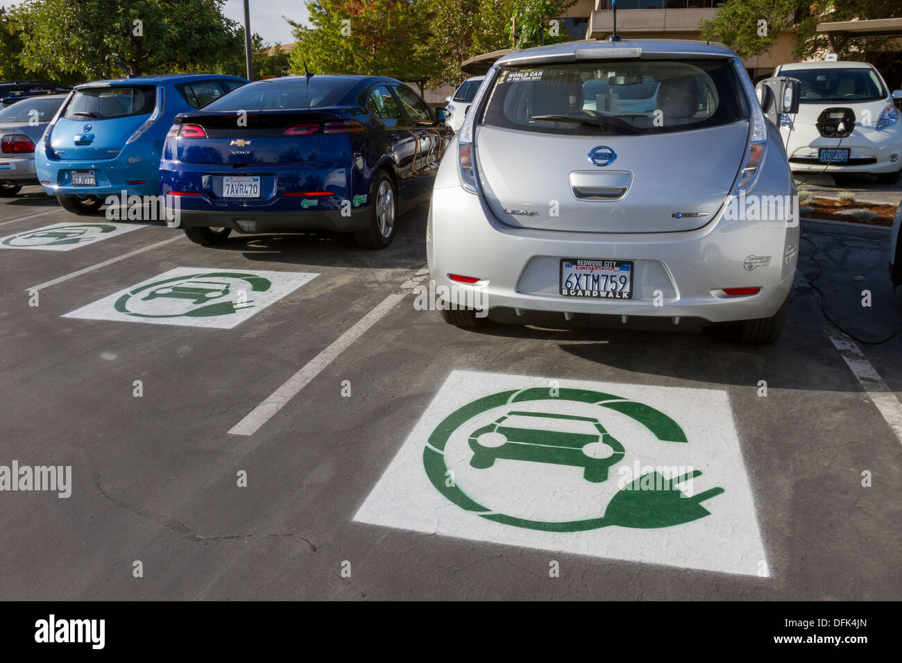 Electric Car Symbol Stockfotos & Electric Car Symbol Bilder - Alamy